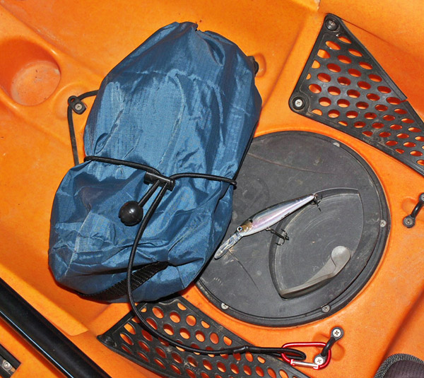Adjustable Leash Around a Bag