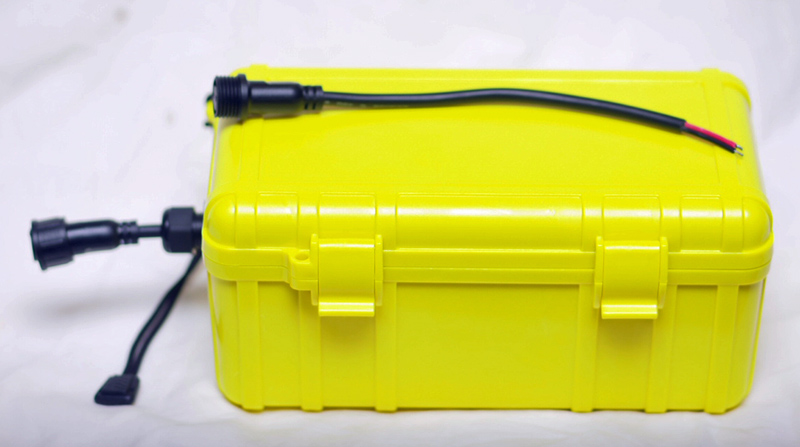 Complete kayak battery kit for Battery powered fish finder